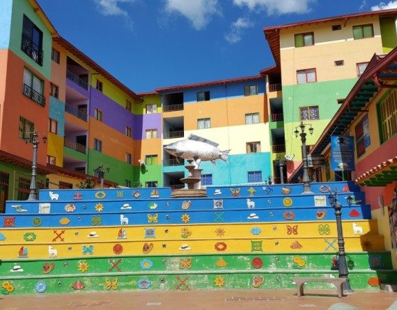 colorful town guatape